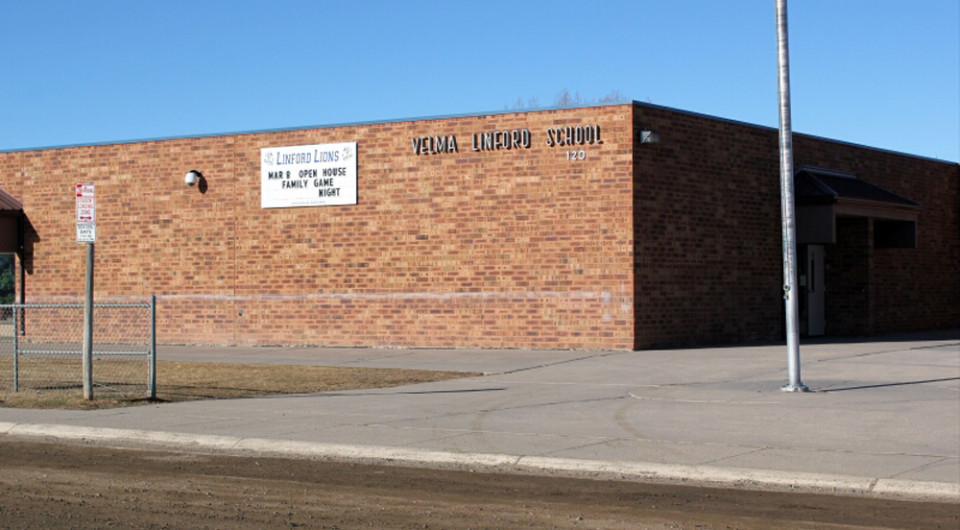 Gem-City-Roofing-Linford-School-Laramie-Wyoming